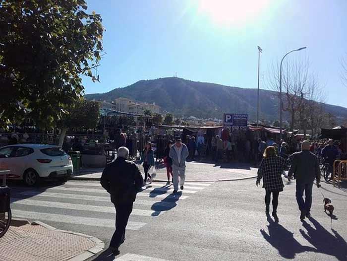 Albir Sunday Market